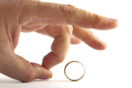 آیا جدا بودن چند ماهه یا چند ساله زن و شوهر از هم باعث طلاق خودبخودی می شود؟/ آیا باید عده نگه داشت؟