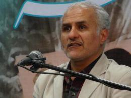 حسن عباسی:مدافعان حرم برای پول و دفاع از بشار اسد میرن سوریه