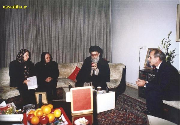 عکسهایی از دیدار رهبری با خانواده شهدای ارمنی در ایام کریسمس