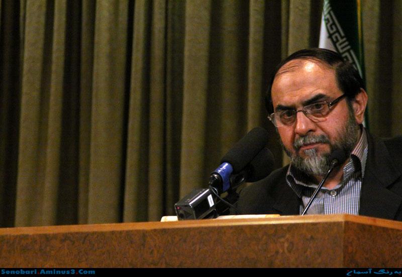 رحیم پور ازغدی : آقای روحانی وقتی در جلسه صحبتها برخلاف میلشان باشد، عصبانی میشود و توهین میکند