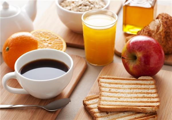 ۵ عادت غلط درباره صبحانه خوردن که باید از آنها دوری کرد