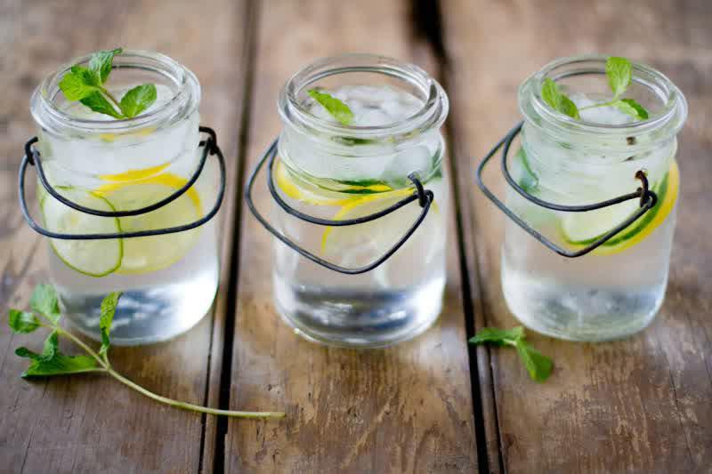 نوشیدنیهایی که پوستتان را زیباتر میکنند