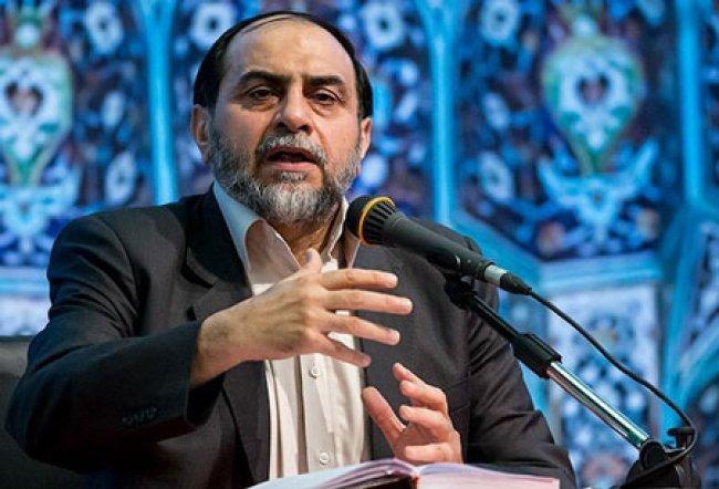 رحیم پور ازغدی: مفسدین اقتصادی را تیر باران کنید