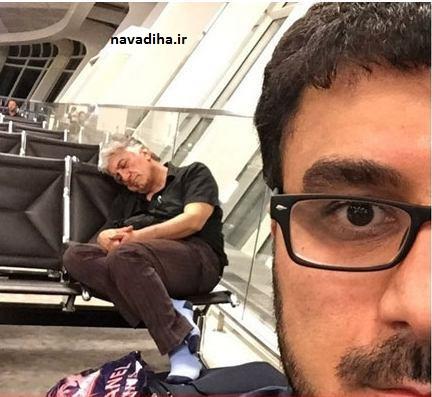 خوابیدن رضا کیانیان در فرودگاه آذربایجان+ عکس