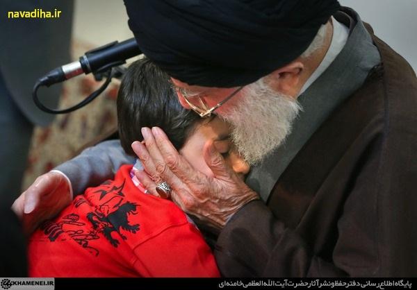 تصاویر دیدار امام خامنه ای از خانواده شهید مدافع حرم