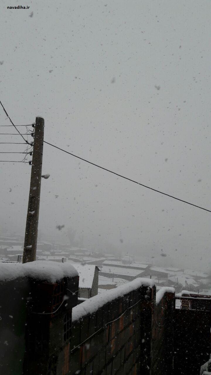 عکس زیبا از بارش برف در یک روستا در ایران