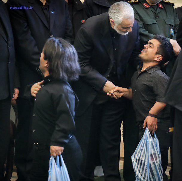 عکس جاالب و زیبا از مجلس ختم پدر سردار قاسم سلیمانی!